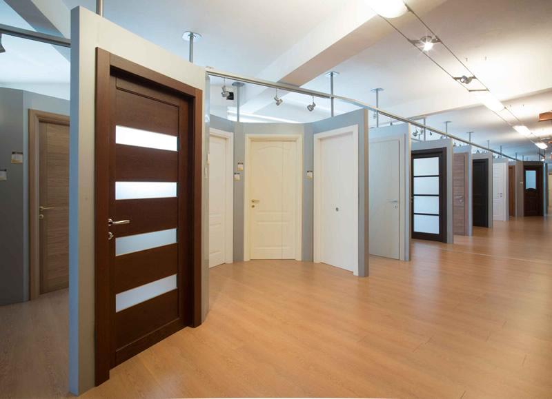 Cusano milanino showroom edisis porte e finestre - Vetri colorati per finestre ...